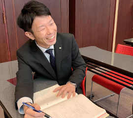 佐鳴予備校の教師_根津 亜希平